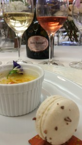 Macaron, Créme Brulee de lavanda y un cannelle, de la chef Lorraine Colón.