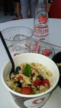 Una de las opciones saludables de desayuno en Red Mango es la avena.